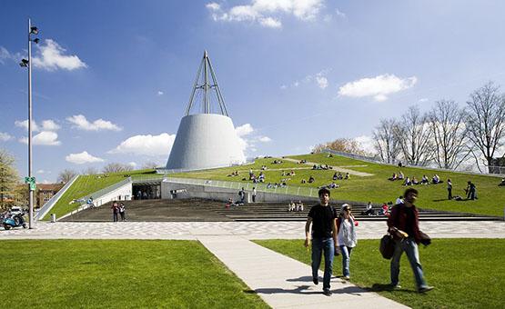 Bibliotheek TU Delft, foto: Wikimedia Commons.